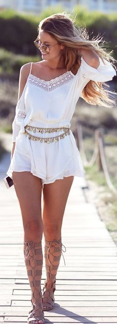 Plain white bohemian style outfits with gladiator shoes. #boho #outfits