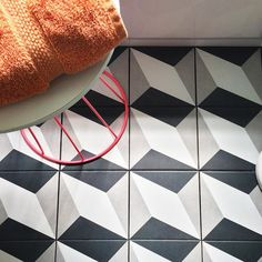 There are so many ways to use our Twenties Diamond! Our friend @rebeccahermance from Uniquely You Interiors used these tiles on the floor of her bathroom. With so many design options available she opted to lay each tile in the same direction offering a multi-dimensional feel that does not overpower the bright pops of color seen throughout the room.	#tileaddiction #ihavethisthingwithtiles #tile #tiles #architecture #interiors #interiordesign #interior #floor #floors #wall #walltiles…
