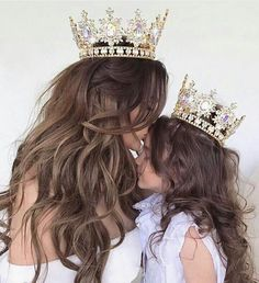 Read Mãe e filha 💐😍⚘ from the story Fotos by with 760 reads. Mother Daughter Pictures, Mother Daughter Fashion, Mom Daughter, Mother Daughters, Mom And Daughter Matching, Mother Mother, Daughter Quotes, Baby Sister, Brother Sister