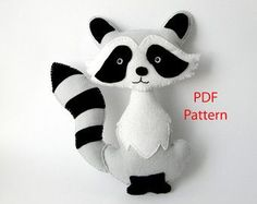 Easy to sew felt PDF pattern. DIY Harold the Pug by Phoraminiphera