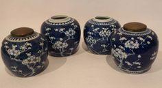 Vier Gefäße, China, 19. Jh. H. 14cm (2 Vasen mit, 2 ohne Deckel)