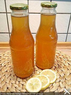 Chrissis Lemon Syrup - basic ingredient for lemonade, Cocktail Drinks, Cocktails, Cocktail Illustration, Lemon Syrup, Homemade Syrup, Iced Tea, Hot Sauce Bottles, Lemonade, Smoothies