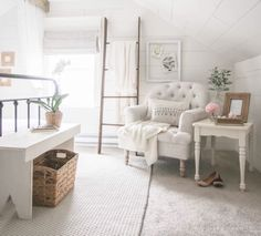 Blanket ladder, cozy reading chair, pictures pinned on chicken wire frame