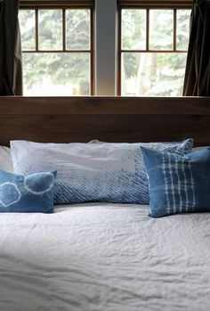 We continue our Shibori Indigo Dye Series today. We are sharing a few more Shibori techniques that we used to make into beautiful pillow covers!