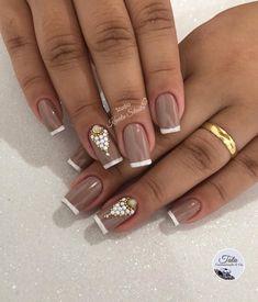 89 Modelos De Unhas nude com Joias Perfect Nails, Gorgeous Nails, Pretty Nails, Fall Nail Art Designs, French Nail Designs, Dope Nails, Fun Nails, Wedding Nails Design, Wedding Pedicure