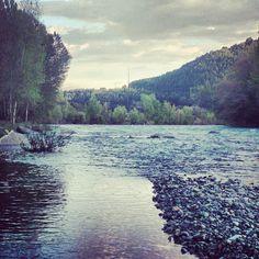 Río Ara en Boltaña. Huesca. Spain. Ara River. Spanish Nature