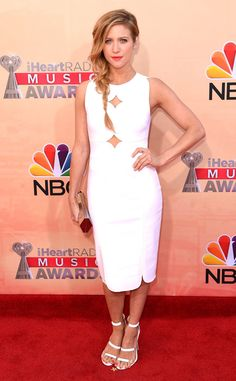Brittany Snow looks aca-incredible at the iHeartRadio Music Awards!