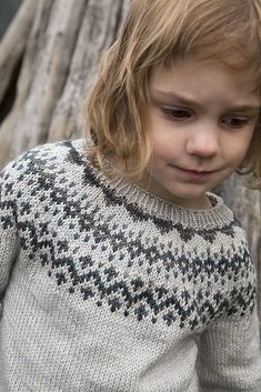 Wanna design your own custom colourwork yoke sweater? Strange Brew makes it easy, exciting and fun! We've been cooking up this special pattern for quite awhile now, and we are… Fair Isle Knitting Patterns, Fair Isle Pattern, Sweater Knitting Patterns, Knitting Designs, Knitting Tutorials, Knitting For Kids, Free Knitting, Baby Knitting, Vintage Knitting