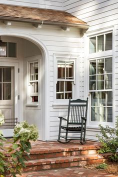 House with Side Porch New England . House with Side Porch New England . Modern Farmhouse, Farmhouse Style, Farmhouse Decor, Fresh Farmhouse, White Farmhouse, White Cottage, Farmhouse Design, Interior Exterior, Exterior Design