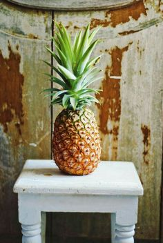 """ciudadcobre: """" Pineapple (express) HS """" The perfect home Pineapple Wallpaper, Pineapple Express, Pineapple Art, Tropical Fruits, Fruits And Vegetables, Fresh Fruit, Palm Trees, Summertime, Berries"""