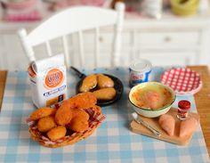 Miniature Making Skillet Fried Chicken Set by CuteinMiniature