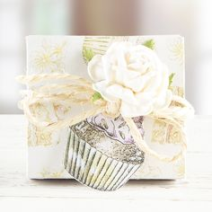 #Cupcake #HandmadeCard made from the Serif Wildflower Hollow CD ROM. Available to buy at Create and #Craft - http://www.createandcraft.tv/Serif_Wildflower_Hollow_Digikit_Collection_Double_CD_ROM-338057.aspx?fh_location=//CreateAndCraft/en_GB/$s=serif #Papercraft #Cardmaking
