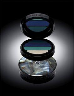 Sombras Armani, eu quero. Giorgio Armani Cosmetics, Giorgio Armani Beauty, Beauty Trends, Beauty Hacks, Beauty Tips, Beauty Stuff, Make Up Collection, Eye Palette, Makati
