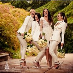 Would you put your bridesmaids in pant suits?? #coordinatedbridesmaids #thecoordinatedbride #weddinginspiration #bridesmaids | Image by @gmphotographics