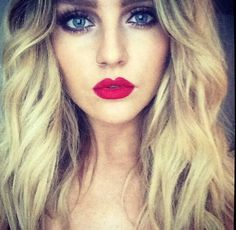 Just was looking through my perf followers and doings that this GORGEOUS girl had started following me!!!xx thanks sooo much perrie you made my day!! Luv ya!!<3