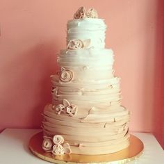 Champagne Ombre Ruffle Wedding Cake By 2tarts Bakery New Braunfels Texas Www