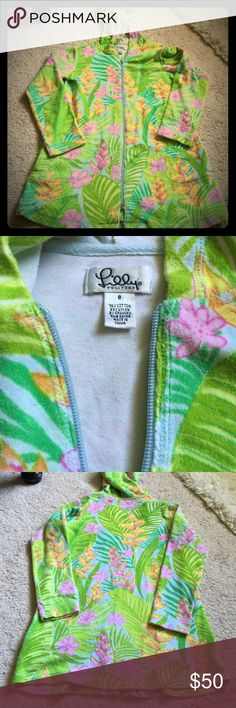 🎀🌴Lilly Pulitzer🌴🎀 Hoodie💕 Adorable Lilly Pulitzer Terry hoodie in a darling floral print 🌴EUC , with pockets, 74% cotton, 23% nylon , 3% spandex so it's comfy & has stretch:) Lilly Pulitzer Tops Sweatshirts & Hoodies