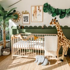Gender neutral nursery decor ideas, with an animal safari theme and DIY leaf garland for under So, you're keeping the gender of your baby a surprise, but you still want an adorable nursery set up in time for your new bundle of joy? Jungle Theme Nursery, Baby Nursery Decor, Nursery Neutral, Baby Decor, Nursery Ideas, Ikea Nursery, Jungle Nursery Boy, Themed Nursery, Girl Nursery