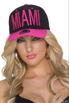 Καπέλο με ανάγλυφα γράμματα - Μαύρο Φούξια