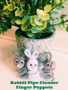 pipe cleaners crafts- bunny finger puppets- making finger puppet crafts -bunny rabbit craft #Eastercrafts