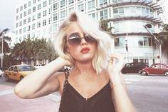 Platinum blonde hair. red lips <3