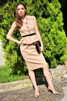 SummerCaffe: Signature Style for All Seasons: LindyBop Wiggle Dress! http://www.summercaffe.com/2014/08/signature-style-for-all-seasons.html
