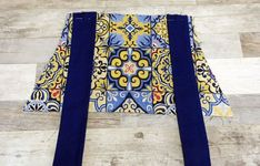 DELANTAL MANISES japanese apron patron de delantal japones | Etsy Japanese Apron, Floral Tie, Fashion, Tela, Models, Apron Patterns, Duct Tape, Pinafore Dress, Aprons
