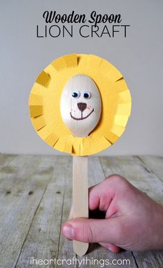 Use wooden spoons to make this adorable lion craft. It's a simple craft for kids and is great to make after a trip to the zoo.