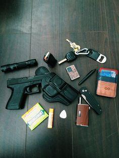 Edc Tactical, Everyday Carry Gear, Duty Gear, Wattpad Books, Edc Gear, Survival Tools, Hand Guns, Random Things, Blade