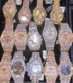 Iced out watches Aprenda a Comprar. - Iced out watches Aprenda a Comprar Produtos de Marca - Cute Jewelry, Jewelry Crafts, Beaded Jewelry, Jewelry Accessories, Gold Diamond Watches, Diamond Jewelry, Luxury Watches For Men, Luxury Jewelry, Jewelry Watches