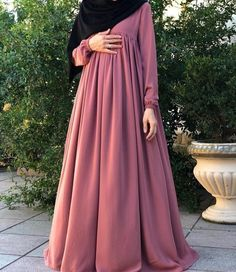 Hijab Style Dress, Modest Fashion Hijab, Abaya Fashion, Fashion Outfits, Muslim Women Fashion, Curvy Women Fashion, Hijab Style Tutorial, Modele Hijab, Mode Abaya