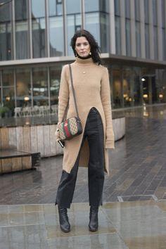 Pin for Later: Der Street Style in London ist wie gewohnt trendy . . . und etwas verrückt Tag 2