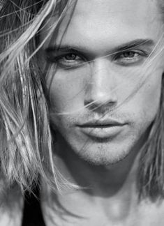 Mal by Kylie Scott. His name is Chris Brown. Love it when the author gives us a clue as to the true character inspiration. Pretty Men, Gorgeous Men, Aedion Ashryver, Kylie Scott, Blonde Guys, Throne Of Glass, Book Boyfriends, Chris Brown, Male Beauty