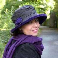 Elizabeth rain hat in purple and black with matching rose. Ladies waterproof rain hat, womens wax and velvet hat Velvet Hat, Purple Velvet, Waterproof Hat, Rain Hat, Stylish Hats, Cotton Hat, Summer Rain, Look Chic, Purple And Black
