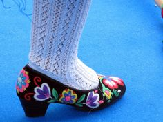 embroidered shoes                                    photo by Rosa Pomar