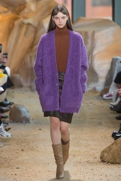 #Lacoste  #fashion  #Koshchenets     Lacoste Fall 2017 Ready-to-Wear Collection Photos - Vogue