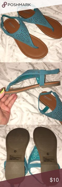 Arizona Jeans Girls Sandals 👡 NWOT.  VERY NICE TURQUOISE SANDALS BRAND NEW ♥️ VERY NICE FOR SUMMER 👡    BIG GIRL SIZE 4 Arizona Jean Company Shoes Sandals & Flip Flops