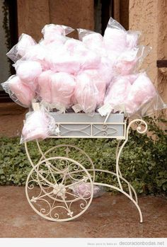 Soft pink cotton candy wedding favors in a vintage cart - a perfect spring wedding or summer wedding favor idea! Cotton Candy Favors, Cotton Candy Wedding, Candy Wedding Favors, Pink Cotton Candy, Party Favors, Pink Candy, Colorful Candy, Shower Favors, Party Candy