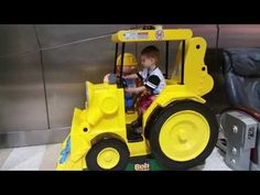 Бульдозер со строителем  машина для катания детей