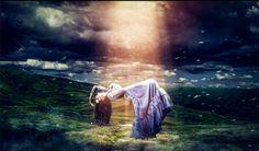 A Fény ajándék Istentől, a megvilágosodás szimbóluma, mely átöleli az embert annak minden tökéletlenségével együtt, és próbálja megvilágosítani. Időnként muszáj megtapasztalni a sötétséget, hogy utána értékelni tudjuk a fényt, de hosszú távon nem szabad benne ragadni, mert mindig van lehetőség arra, hogy szebbé tegyük az életünket. Vajon milyen üzenete van számodra a Fénynek életed jelen szakaszában?  - Női Portál - Női Portál - a nők birodalma - Nőiportál.hu