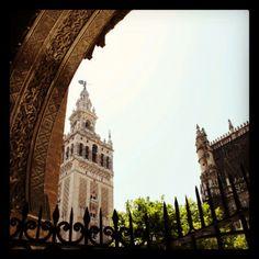 La mires por donde la mires... #Sevilla.