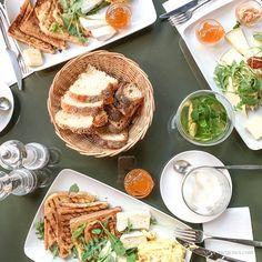 Das war mein August - Das habe ich erlebt und gesehen im August -  Frühstück im Noa - Maastrichter Str. 3, 50672 Köln Cafe Restaurant, Cologne, Camembert Cheese, Mexican, Ethnic Recipes, Blog, Travel, Celebrations, Diy