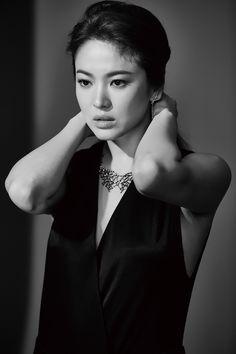 Song Hye Gyo for J.ESTINA FALL 2015.                                                                                                                                                                                 More