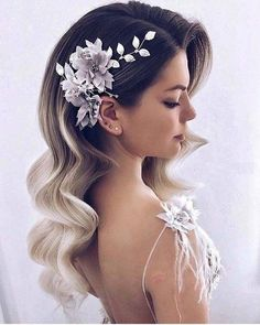 35 fabulous ideas for long bridal hair waves for 2018 - Frauen Frisuren - Hochsteckfrisur Long Hair Wedding Styles, Hair Comb Wedding, Wedding Hair And Makeup, Wedding Beauty, Short Hair Styles, Trendy Wedding, Diy Wedding, Perfect Wedding, Wedding Ideas