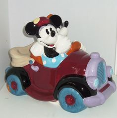 Mickey & Minnie Mouse Cookie Jar made in China by Treasure Craft