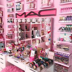 collection Fabulous Makeup Storage Design Ideas To Keep Your Makeup . collection Fabulous Makeup Storage Design Ideas To Keep Your Makeup - makeup - Makeup Vanities, Makeup Desk, Makeup Rooms, Ikea Makeup, Makeup Drawer, My New Room, My Room, Sala Glam, Rangement Makeup