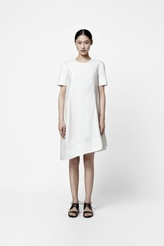 Curved seam dress - Cos / Perfect summer work dress