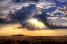 """I call it """"Jesus Clouds"""" and the photographer calls it Heaven's gate by Heaven Man, via 500px"""