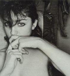 Madonna                     (photo lee friedlander)