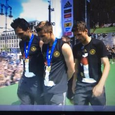 Pin for Later: Erlebt noch einmal die größten Emotionen der WM 2014 Die Feier am Brandenburger Tor